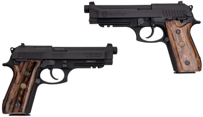 самозарядный пистолет Taurus PT 92 Classic сбоку