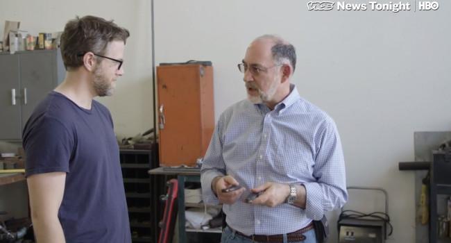 ведущий VICE News (слева) и Даг Риттер (справа)