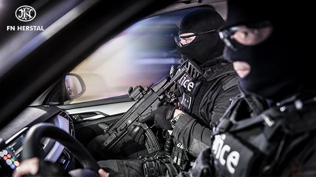 FN SCAR-SC police