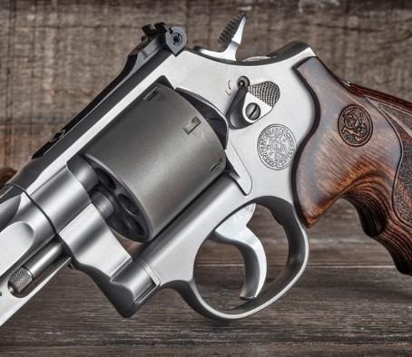 Револьвер Smith & Wesson Performance Center Model 986