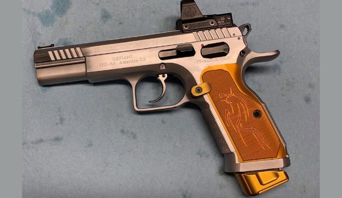 Модифицированная кастом-версия Custom Defiant Limited Pro McGee