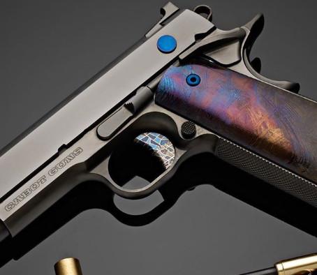 Межпланетный пистолет Cabot Guns Voyager 1911
