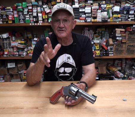Что нельзя делать с револьвером - советы Джерри Мичулека