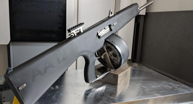 Стрельба из гладкоствольного карабина AA-12
