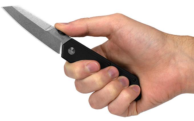 Нож Kershaw Mixtape в руке