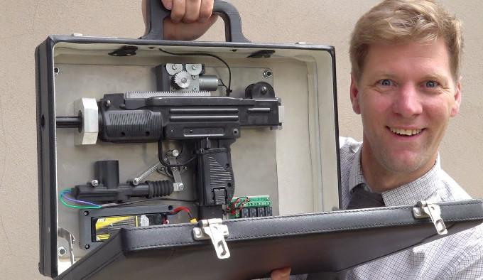 Дипломат-пулемет от ColinFurze