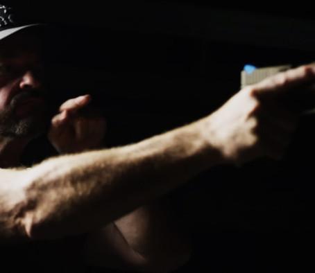 Наведение пистолета без прицела - SureFire Field Notes 55