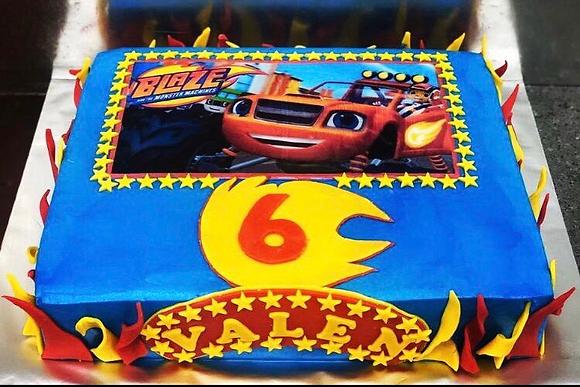 Fireblade car Cake (2.5kg-3kg)