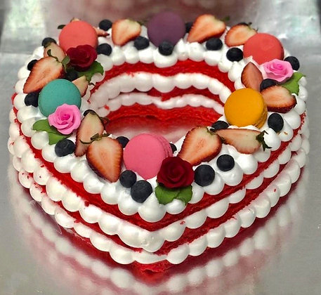 Berries garden love cake ( 9 inches)