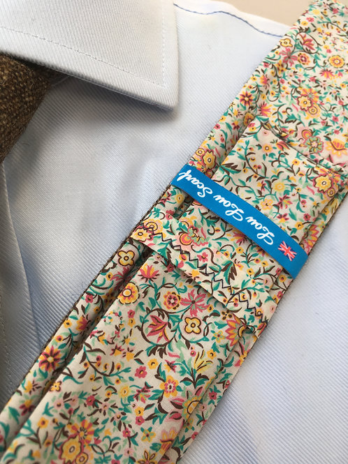 Country Brown Shetland Twill with Liberty Amber/Rose Flower Tana Lawn