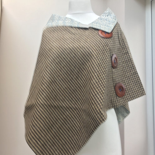 Dog Tooth Tweed and cream/blue Flower