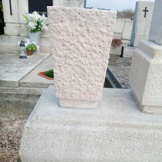 sírkő-felújítás-győr-váza1.jpg