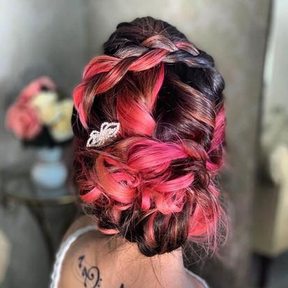 Penteado Coque Baixo Despojado com Trança - Penteados Leticia Rodrigues
