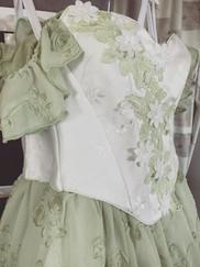 Romanic white & pale green