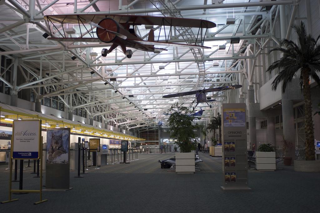fll airport 1.jpg