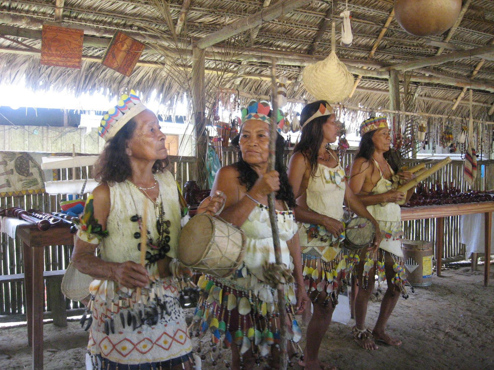 Indigenas Ticunas