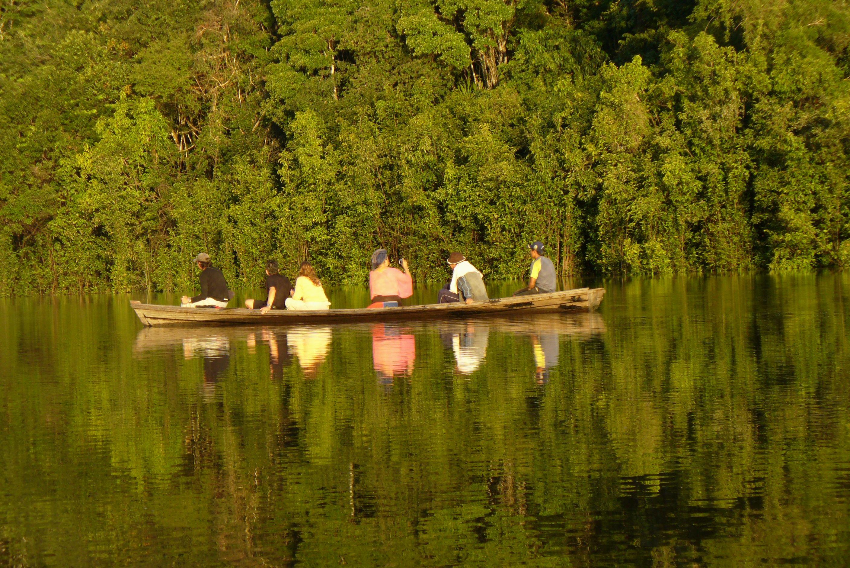 Canotaje sobre los lagos.