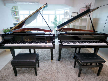 New Piano! スタジオに新しいグランドピアノが入りました!