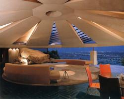 Lautner_Palm Springs_pic 2_.jpg