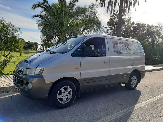 9 Seater hire