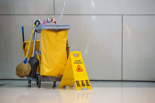 Commercial-Cleaning-600x400.jpg