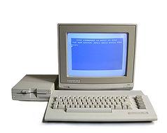 Commodore 64C Home Computer