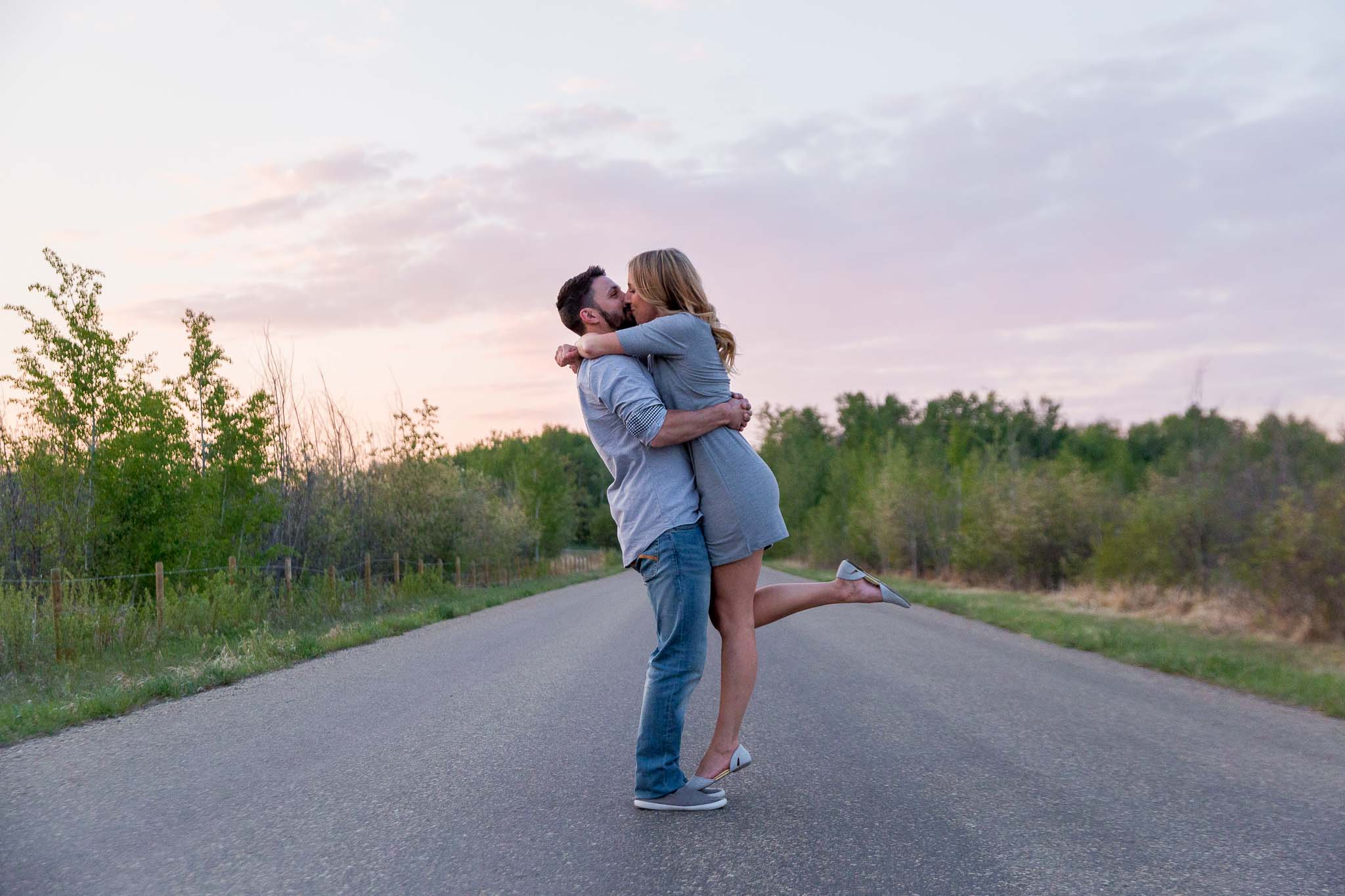 Beautiful Sunset Engagement Photos