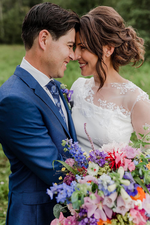 bride and groom, timeless wedding photos, beautiful wedding photos