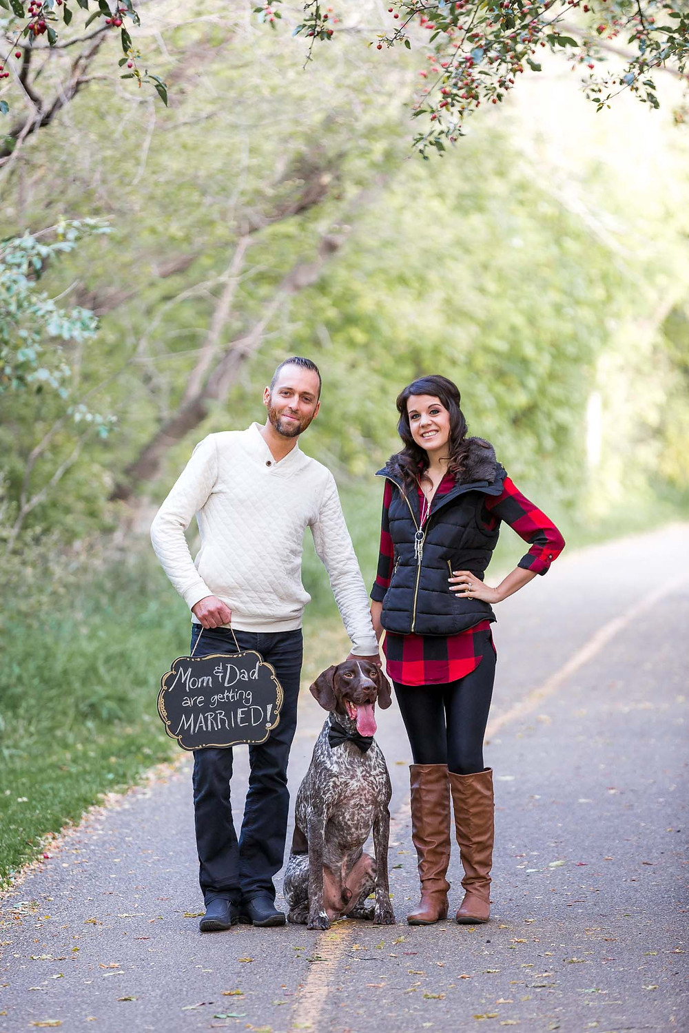 Pre-wedding photos taken with your dog