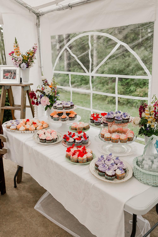 Wedding cupcakes, Tent Wedding, Wedding deserts