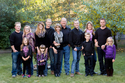 Extended Family Portraits In Edmonto