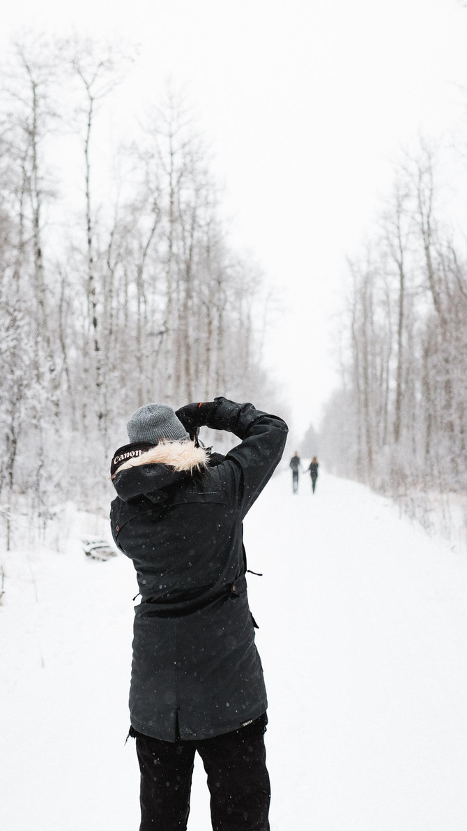 Tips For Staying Warm During Your Winter Photo Shoot - Edmonton Photographer - Zokah