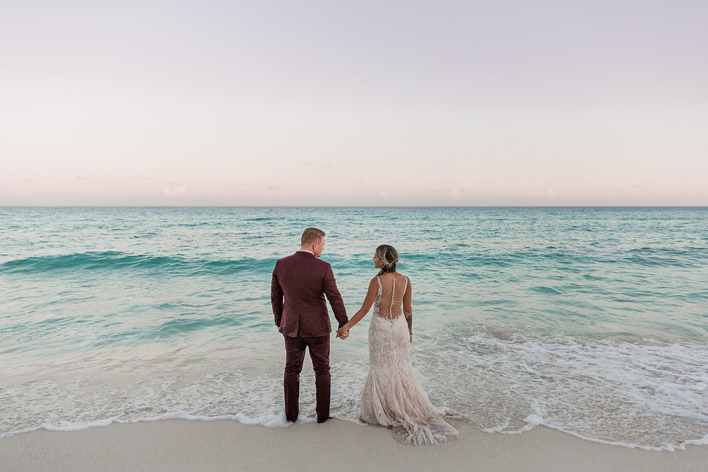 amazing wedding photos at the ocean