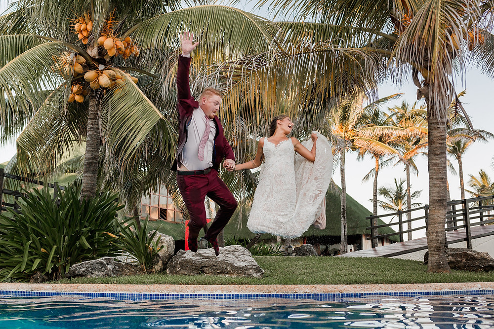 wedding photos in the pool