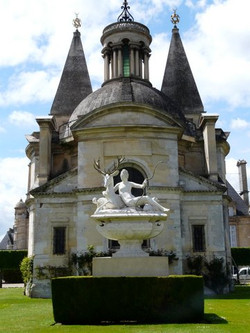 Statue of Diana at Chateau Anet