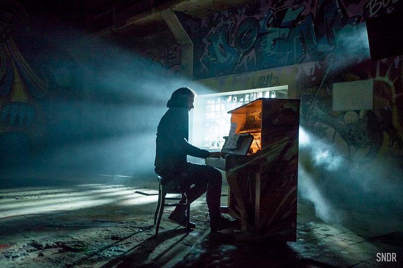 Armin van Buuren ft Angel Taylor