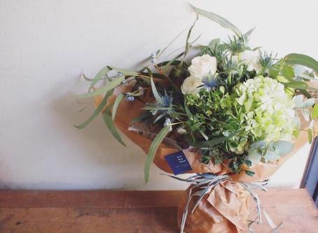 白&グリーンのお花