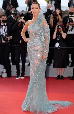 Cannes-Film-Festival-Red-Carpet-Fashion-Slide-1.jpg