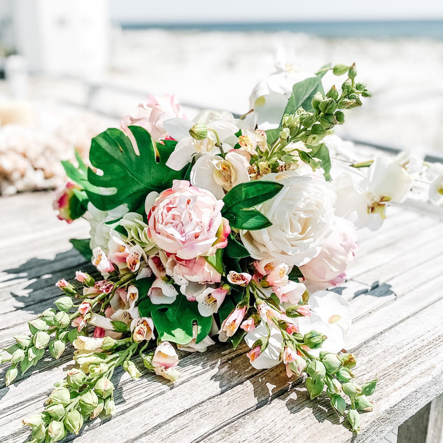 Faux or Real? These flowers were absolutely Stunning!