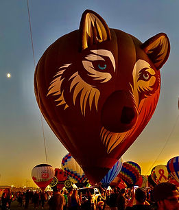 Wolf balloon at Balloon Fiesta.jpg