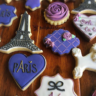 A Paris themed cookie set .jpe