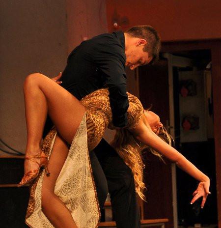 julia_dance2.jpg