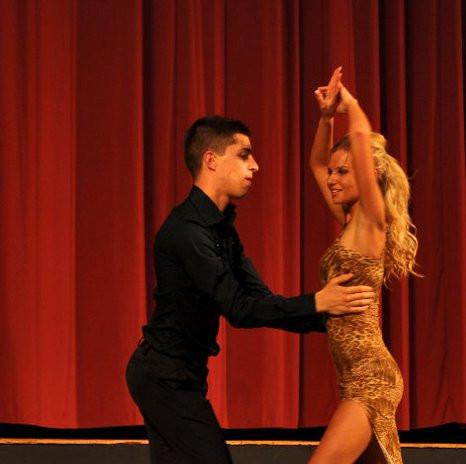 julia_dance.jpg