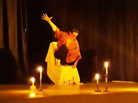 Luiz Gomide se apresenta em Teófilo Otoni com a Peça Teatral, HAMLET-MÁQUINA.
