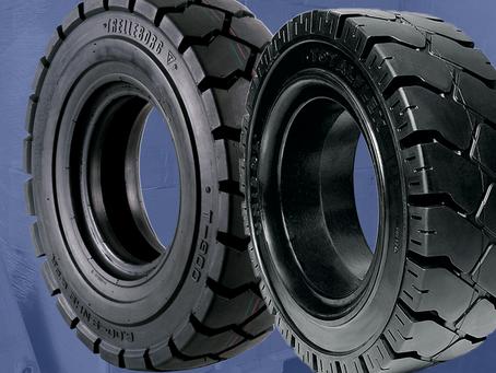 Pneus para empilhadeira: pneumático e maciço