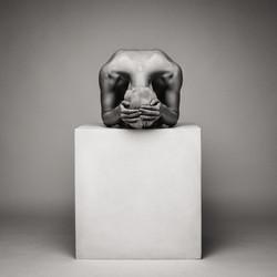 lilith-etch-studio-figure-nude-on-box-05