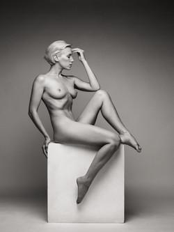 lilith-etch-studio-figure-nude-on-box-13