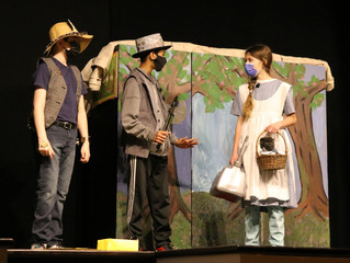Wellan's Latest Middle School Drama Production: A Yellow Brick Road into US History
