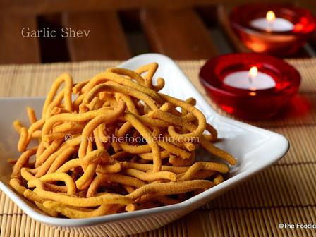 Garlic Shev