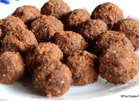Wheat & Nachani (Ragi) Ladoo
